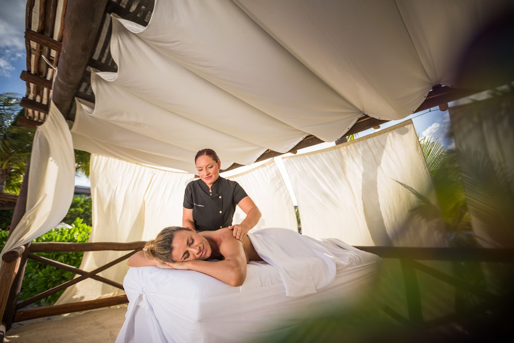 Massage, Blue Bay Grand Esmeralda All Inclusive