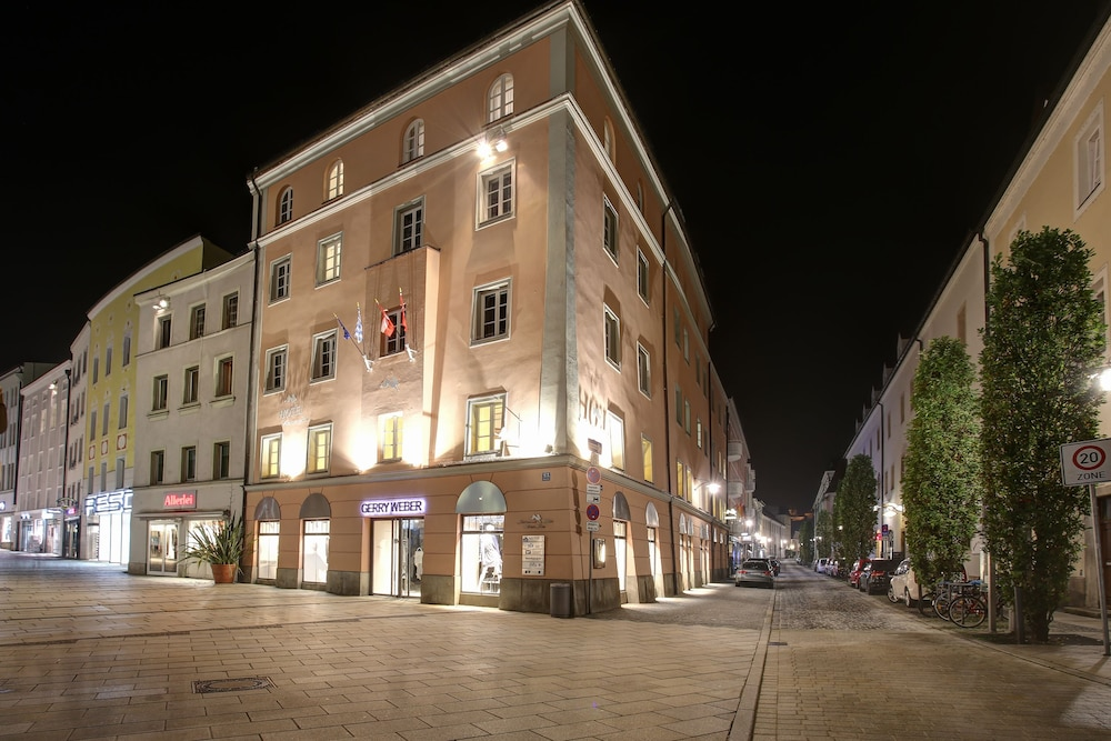 Front of Property, Premier Inn Passau Weisser Hase