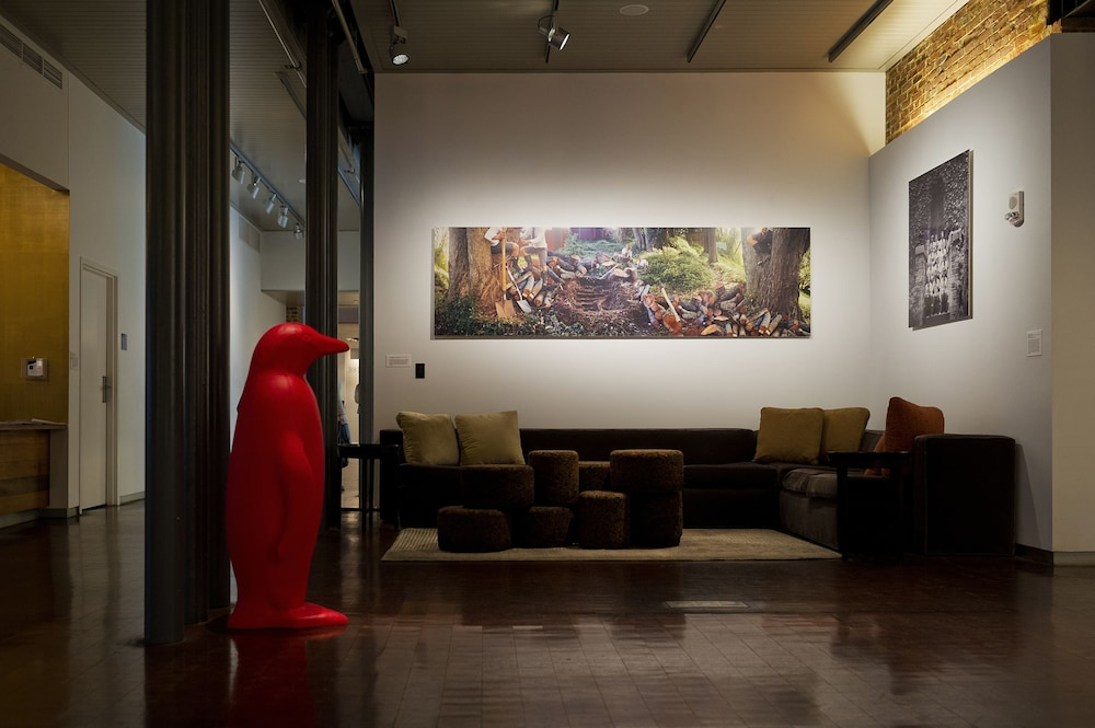 Lobby Sitting Area, 21c Museum Hotel Louisville - MGallery