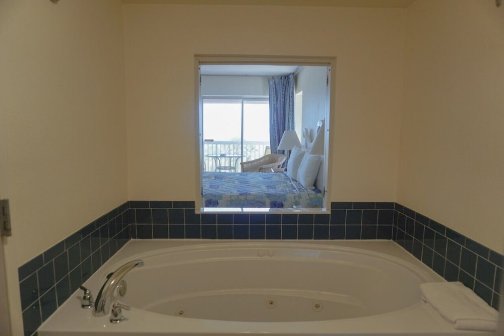 Jetted Tub, Oceanview Lodge