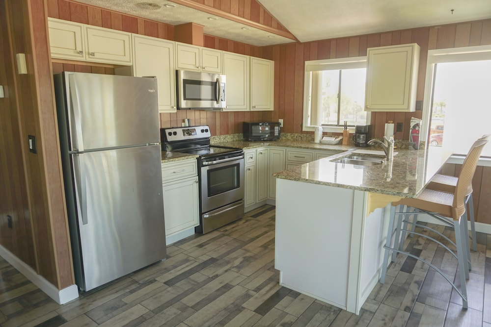 Private Kitchen, Oceanview Lodge