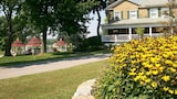 Julia's Bed & Breakfast - Hubbard Hotels