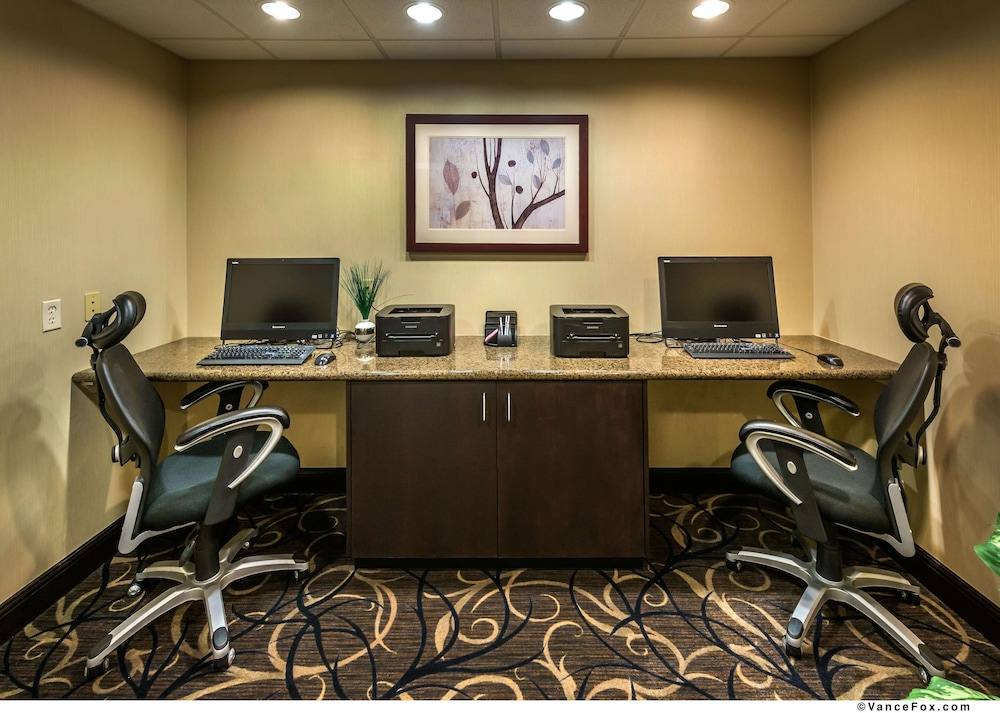 Business Center, Hampton Inn and Suites Reno