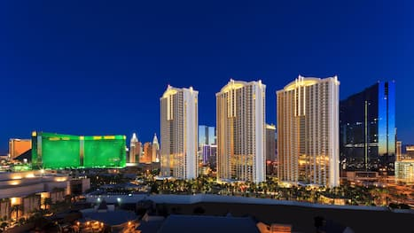 Mgm Las Vegas Deals 2021 Compare Save From 29 Travelocity