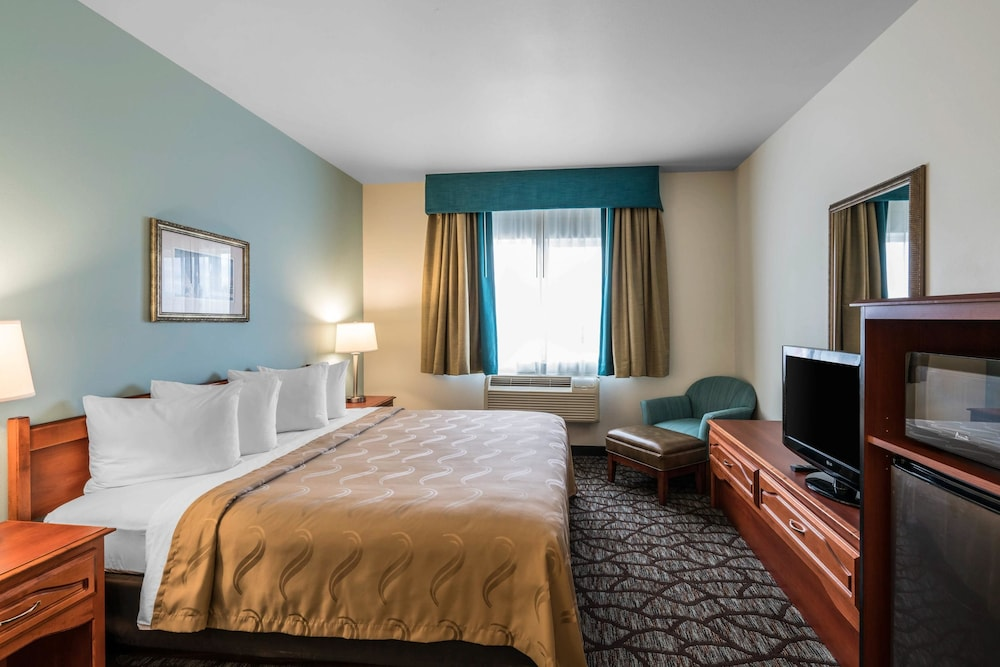 Room, Quality Inn & Suites at Olympic National Park