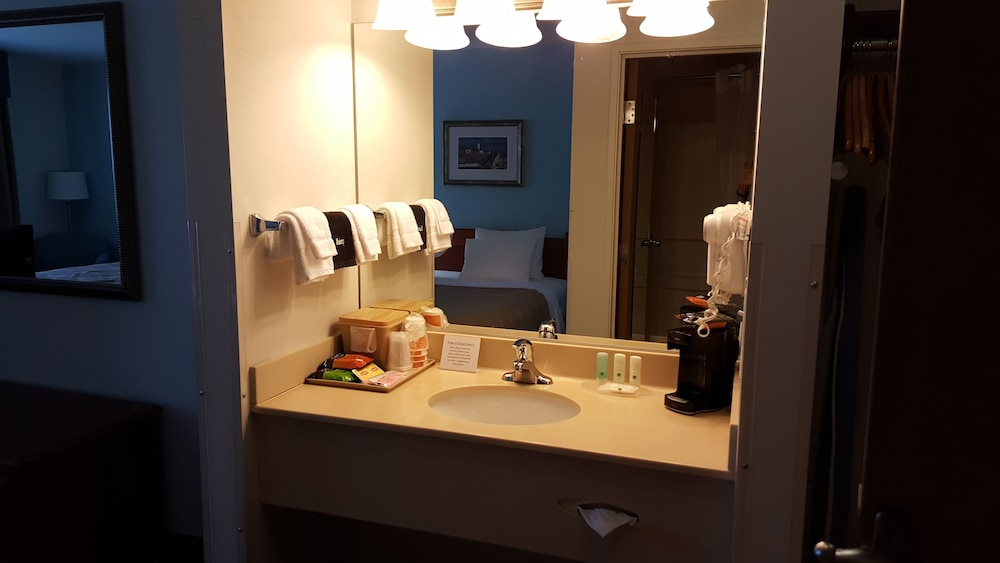 Bathroom Sink, Quality Inn & Suites at Olympic National Park