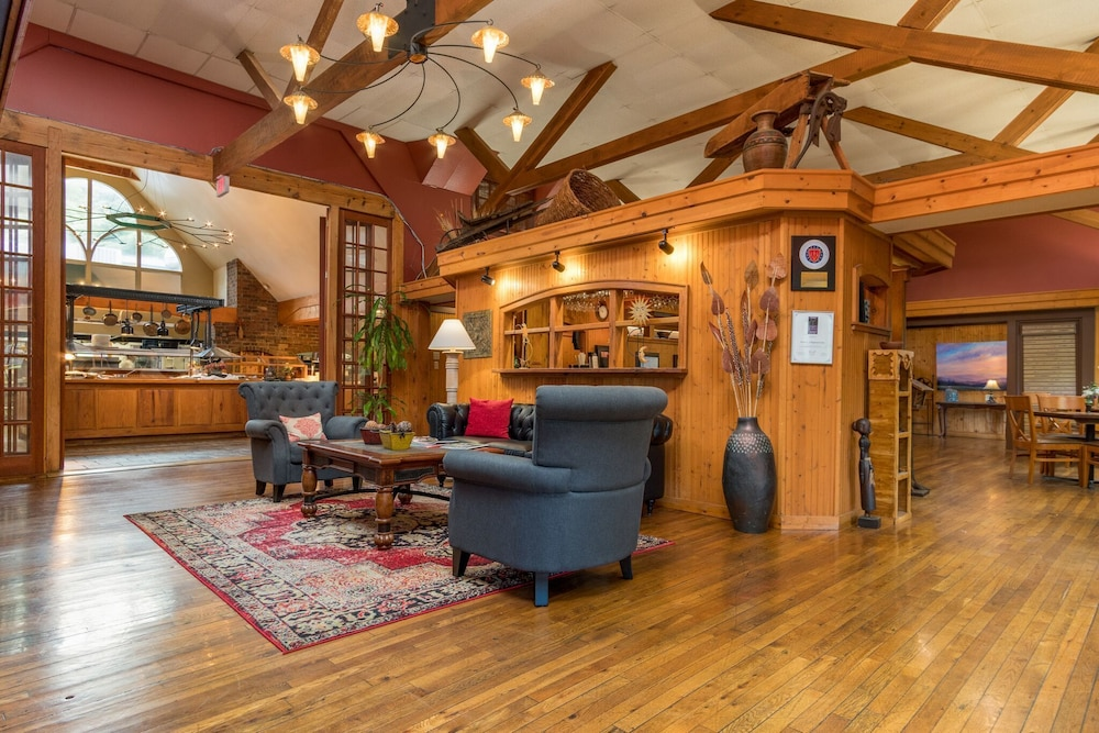 Pet Friendly Highland Lake Inn & Resort