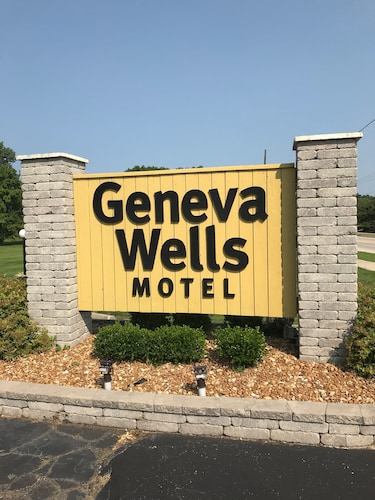 Great Place to stay Geneva Wells Motel near Lake Geneva