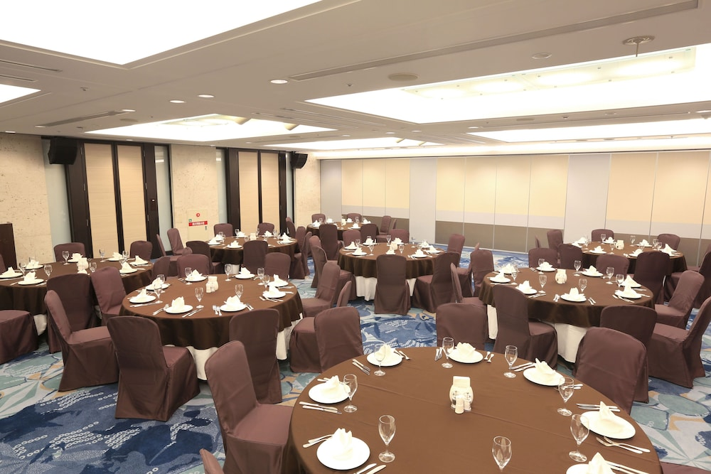 Banquet Hall, Hotel JAL City Naha