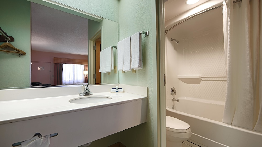 Bathroom, Best Western Lake Okeechobee