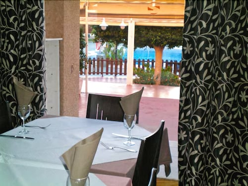 Dining, Albir Garden Resort