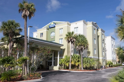 Days Inn U0026 Suites By Wyndham Fort Pierce ...