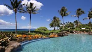 2 outdoor pools, free cabanas, pool umbrellas