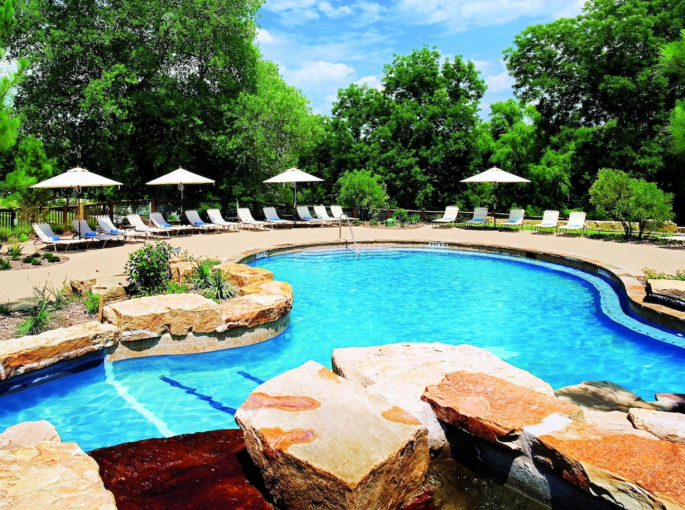 Outdoor Pool, Hyatt Regency Lost Pines Resort and Spa