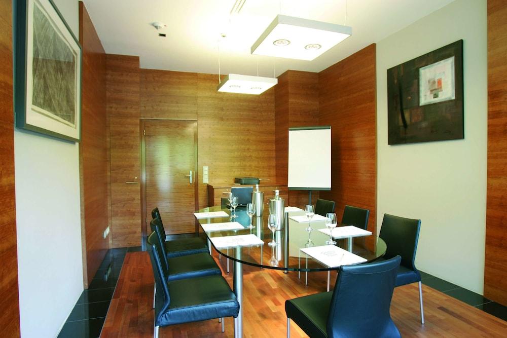 Galerie design hotel bonn bonn germania for Bonn design hotel