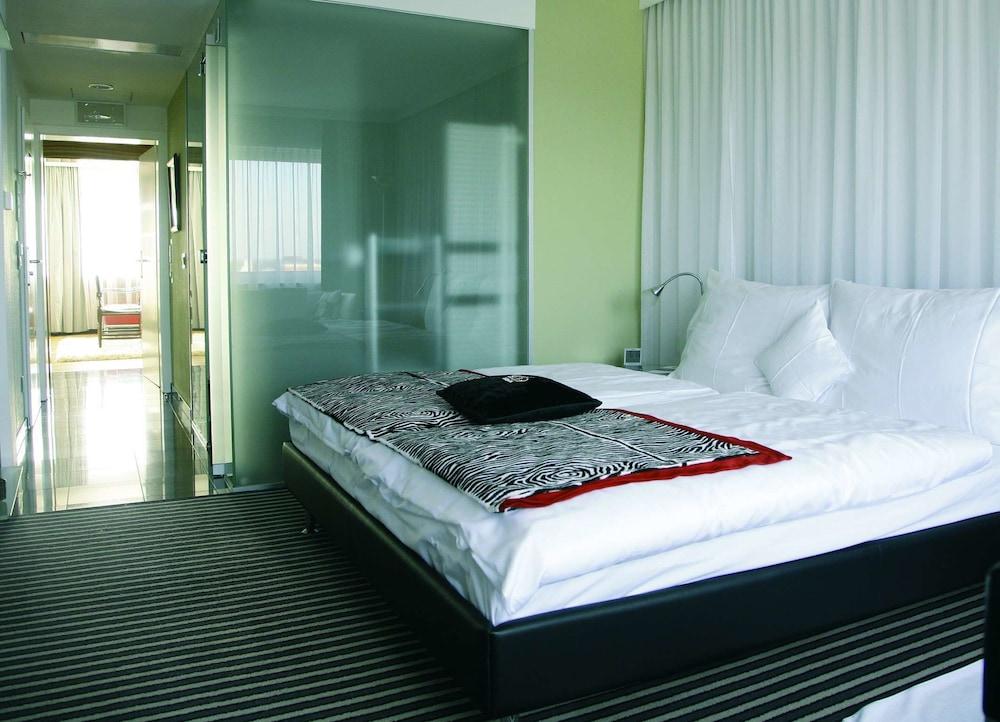 Galerie design hotel bonn bonn deu expedia for Bonn design hotel