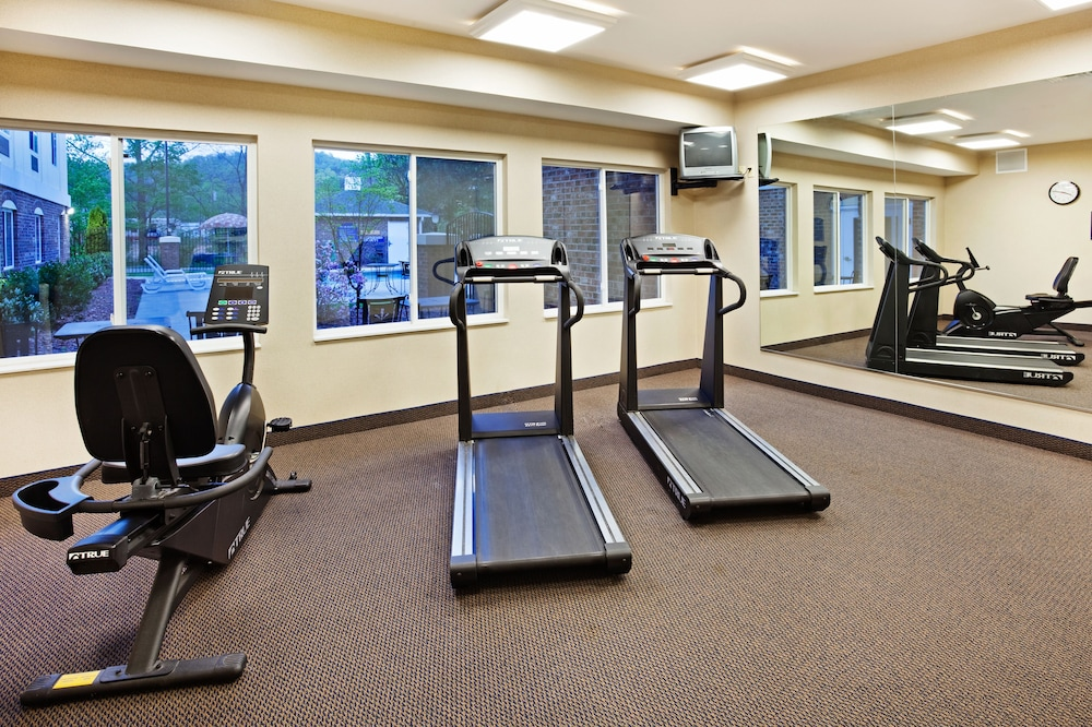 Fitness Facility, Holiday Inn Express Hotel & Suites Cherokee / Casino