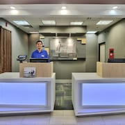 Holiday Express & Suites Portales