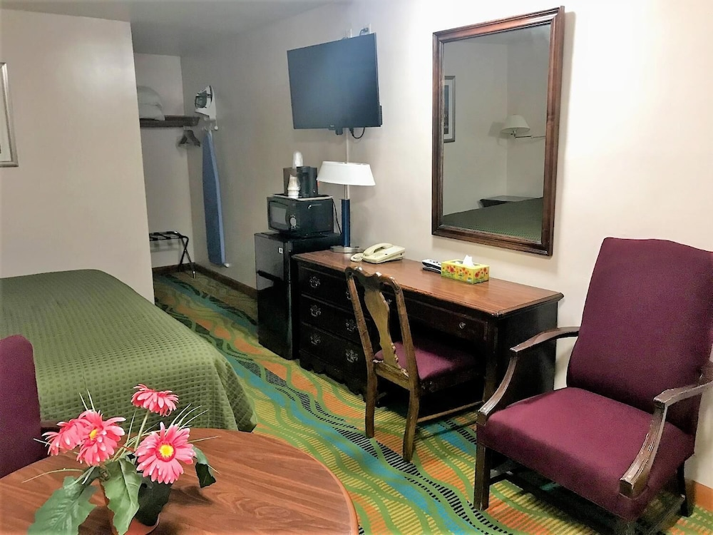 Room, The Atlantic Motel