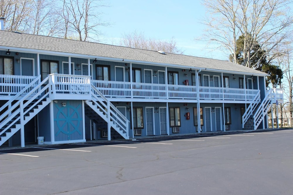 Exterior, The Atlantic Motel