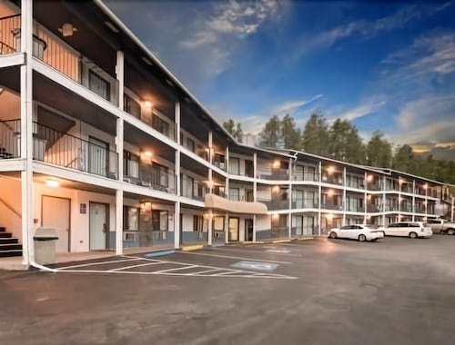 Great Place to stay Super 8 by Wyndham Keystone/Mt. Rushmore near Keystone