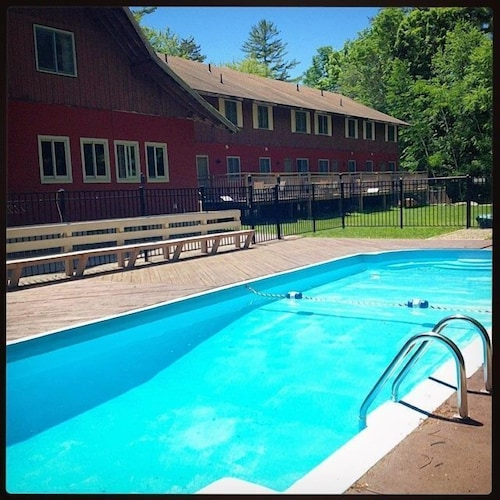 The Upper Pass Lodge At Magic Mountain Deals Reviews Londonderry Usa Wotif