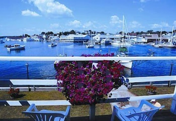 Balcony, Boothbay Harbor Inn