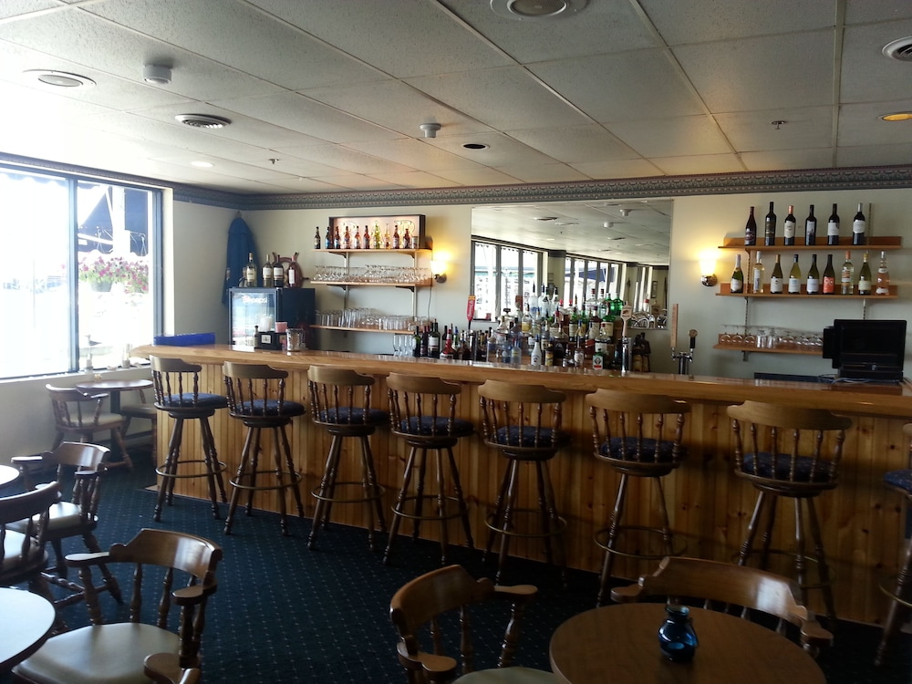 Bar, Boothbay Harbor Inn