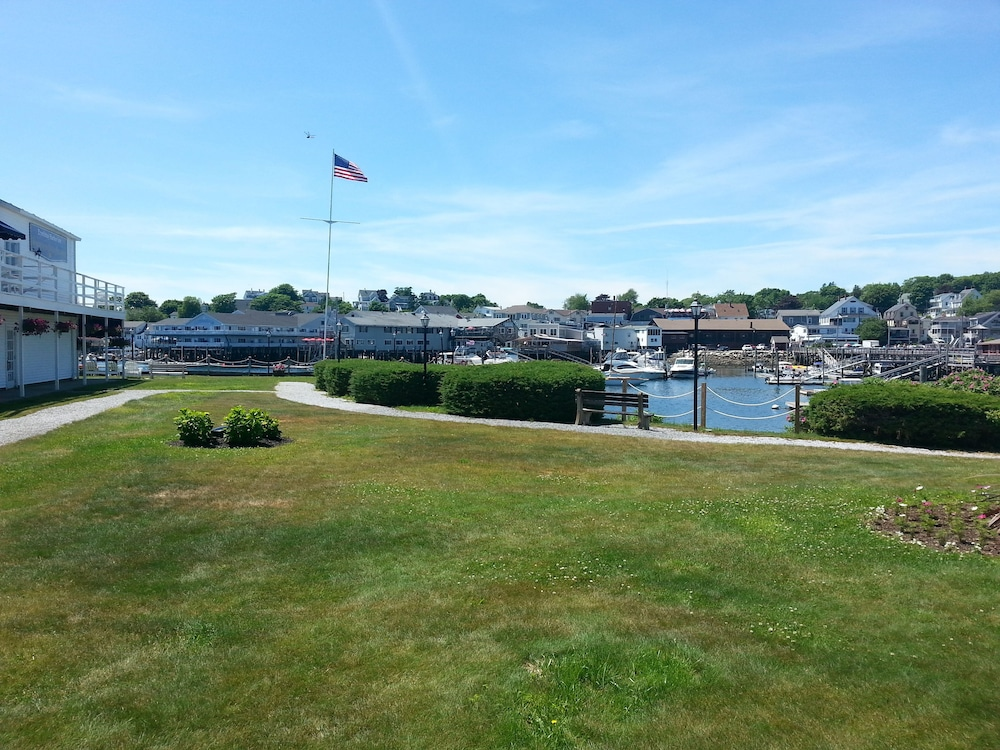 Property Grounds, Boothbay Harbor Inn