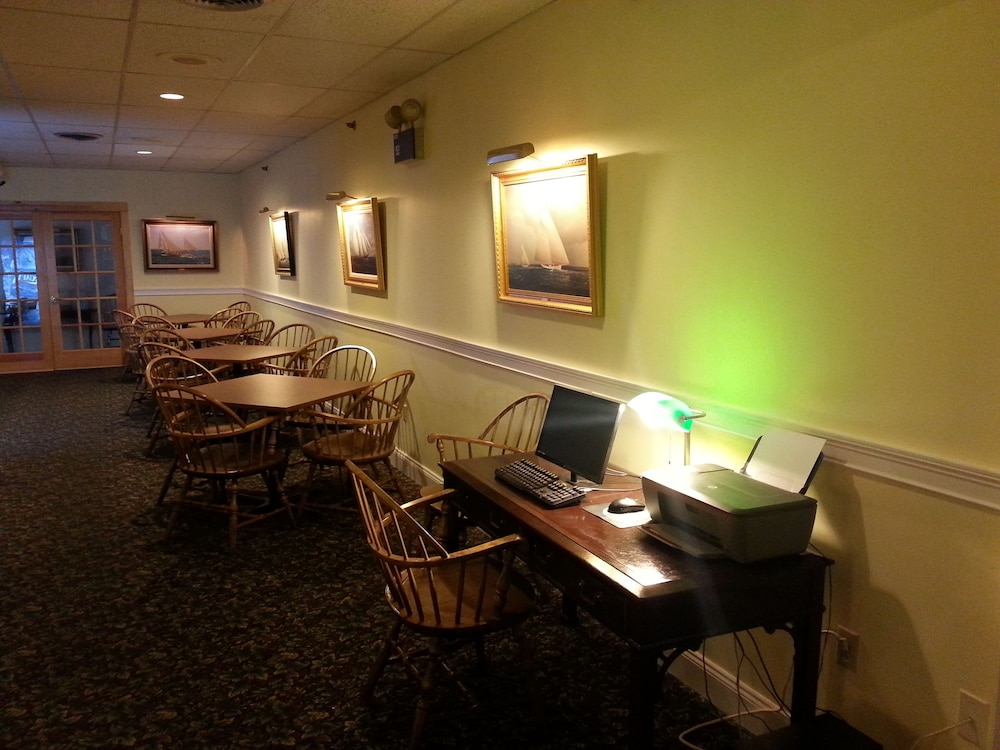 Business Center, Boothbay Harbor Inn