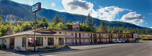 Great Place to stay Big Sky Motel near Superior