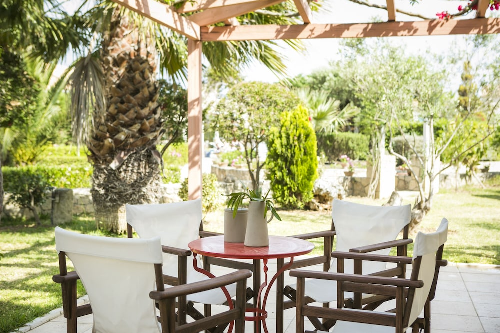 Avithos Resort Apartments Hotel