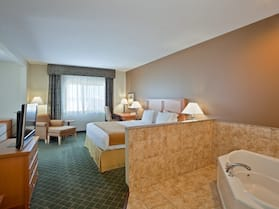 Holiday Inn Express & Suites South - Lincoln, an IHG Hotel