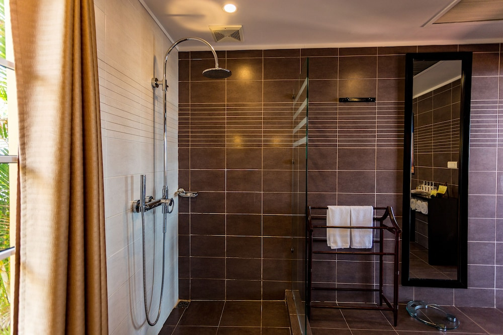 Bathroom Shower, Victoria Hoi An Beach Resort & Spa
