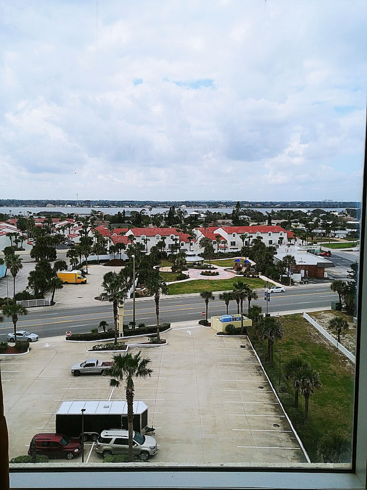 City View, Emerald Shores Resort