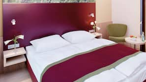 Hypo-allergenic bedding, Select Comfort beds, minibar, in-room safe