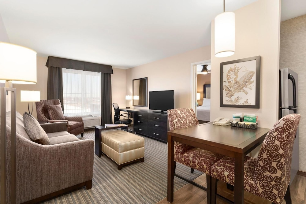 Living Room, Homewood Suites by Hilton Fargo