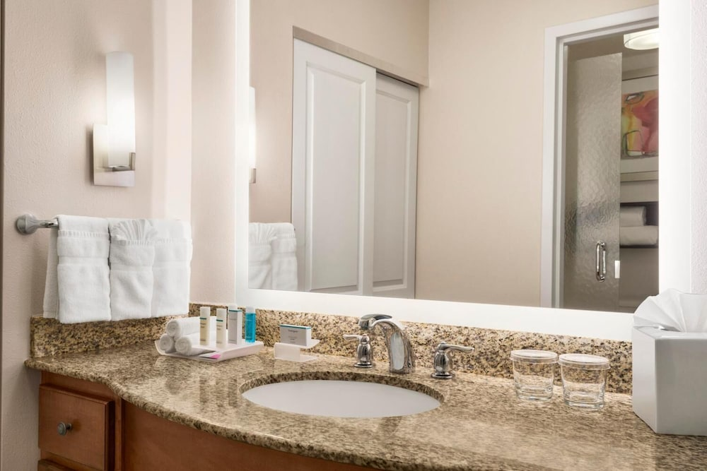 Bathroom, Homewood Suites by Hilton Fargo