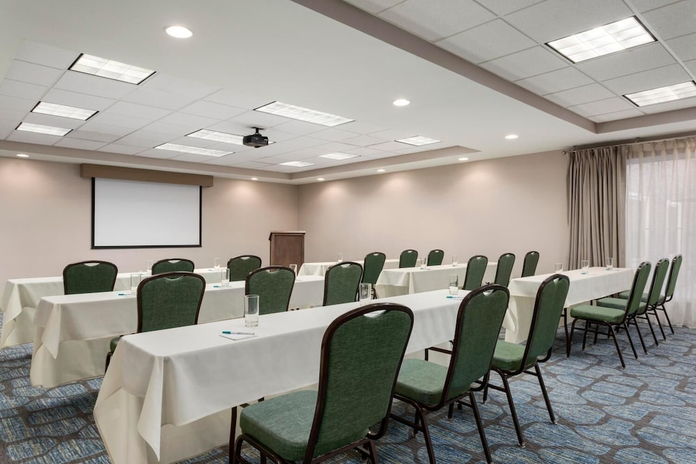 Meeting Facility, Homewood Suites by Hilton Fargo