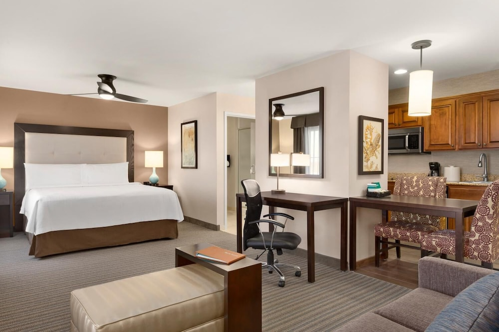 Room, Homewood Suites by Hilton Fargo