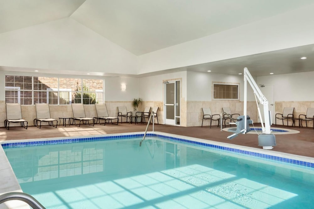 Pool, Homewood Suites by Hilton Fargo