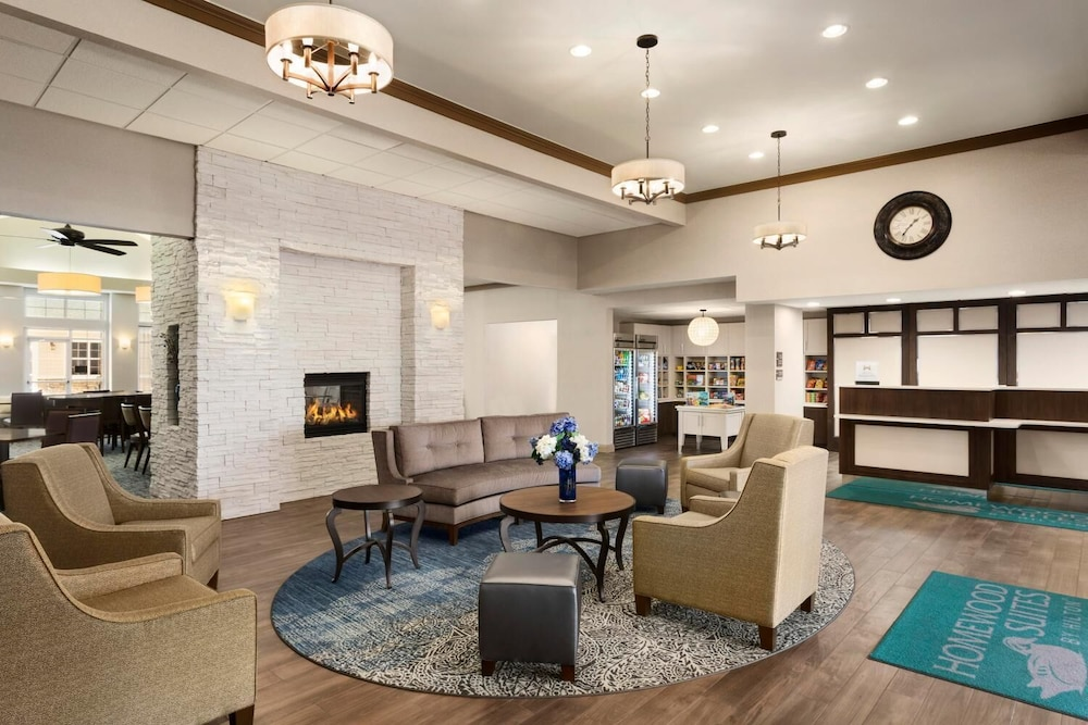 Lobby, Homewood Suites by Hilton Fargo