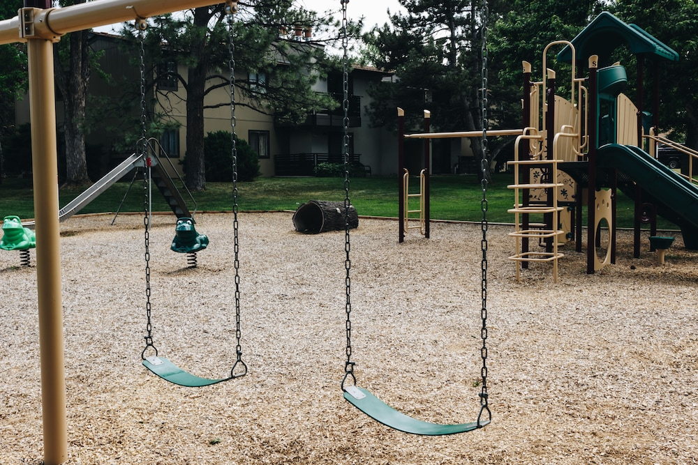 Children's Play Area - Outdoor, Boulder Twin Lakes Inn