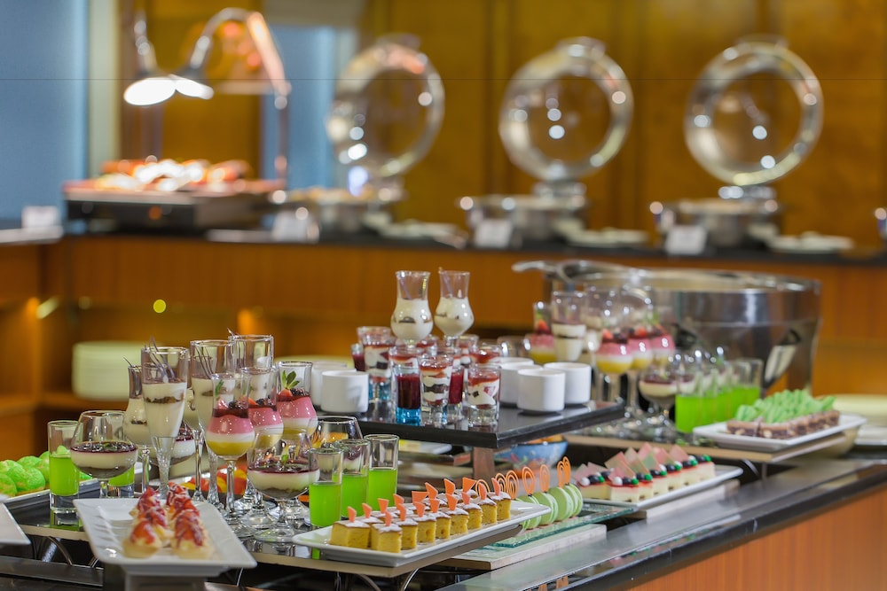 Food and Drink, Grand Excelsior Hotel Bur Dubai