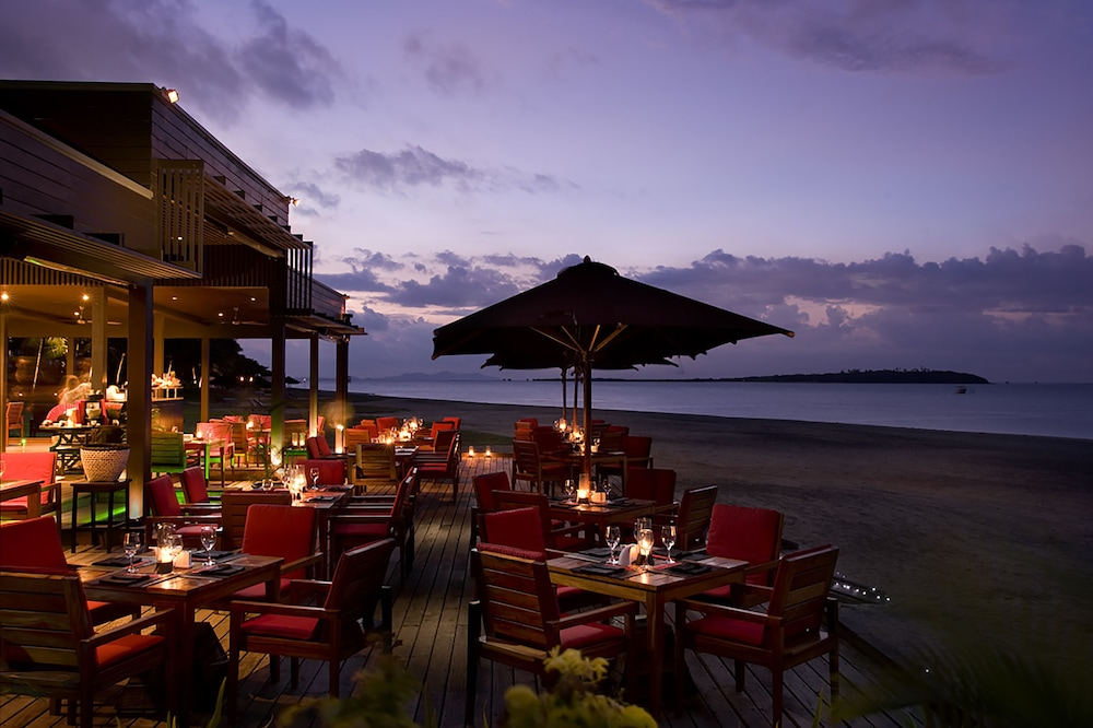 Outdoor Dining, Hilton Fiji Beach Resort and Spa
