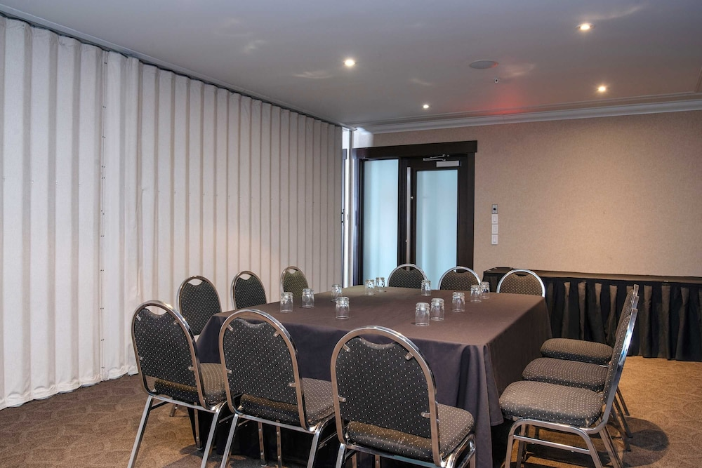 Meeting Facility, Sandman Hotels & Suites Calgary West