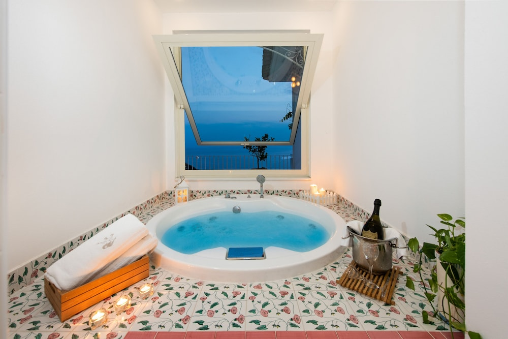 Private Spa Tub, Grand Hotel Tritone
