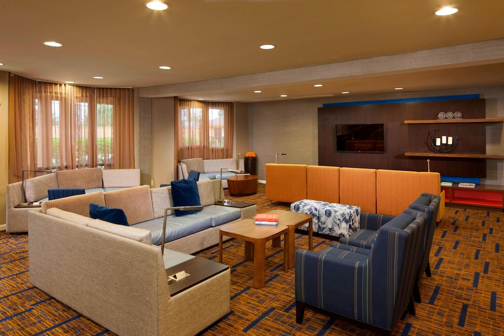 Lobby, Courtyard by Marriott Brownsville