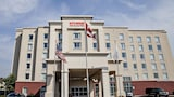 Kitchener Inn & Suites - Kitchener Hotels