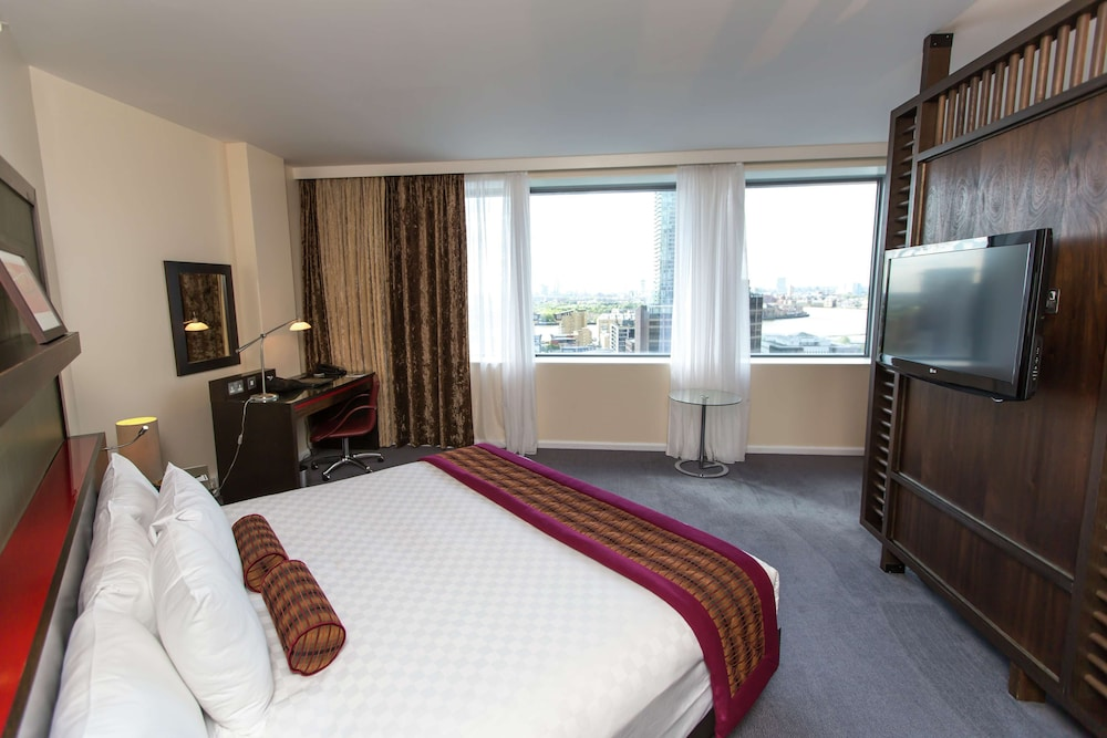 Room, Hilton London Canary Wharf